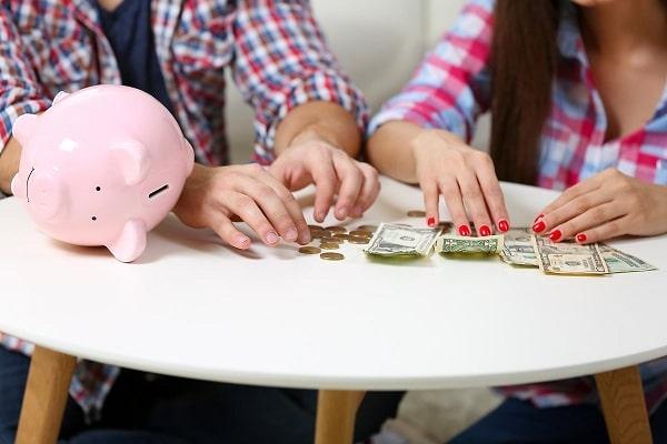 Chú ý bảo đảm tài chính là dấu hiệu cho thấy bạn sẵn sàng kết hôn