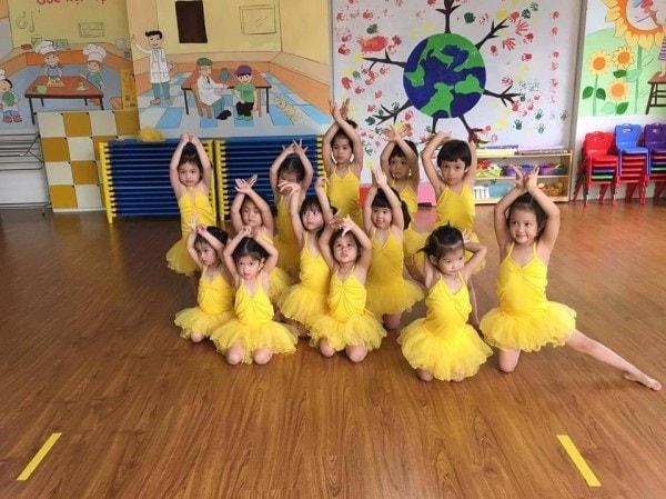 Học múa sẽ giúp cơ thể trẻ mềm mại, linh hoạt
