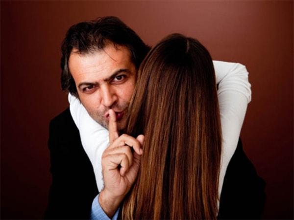 """Những chiêu """"lừa tình"""" thường gặp của đàn ông đã có vợ"""