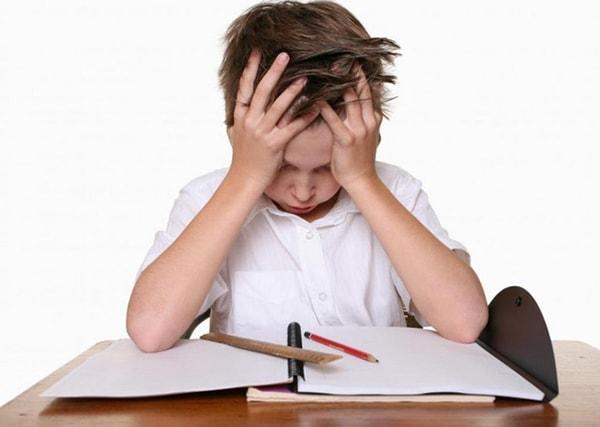 Trí nhớ kém sẽ ảnh hưởng rất lớn đến sự phát triển và tương lai của trẻ