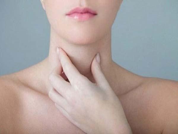 chữa bướu cổ không cần phẫu thuật 1