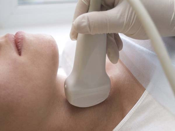 Top 4 cách chữa bướu cổ không cần phẫu thuật