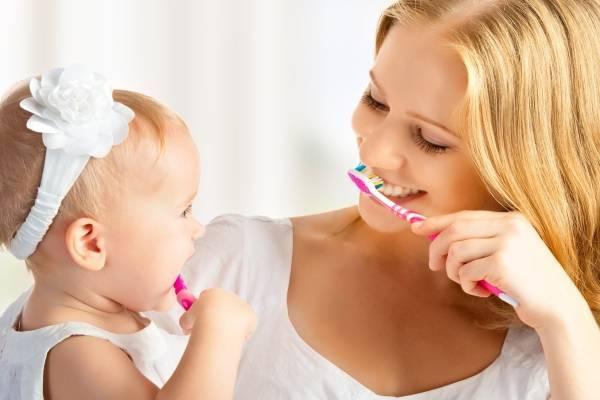Dạy trẻ biết đánh răng