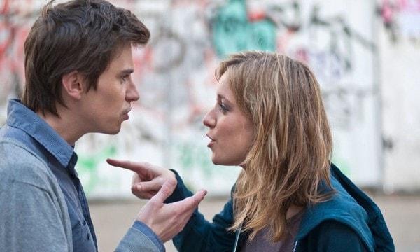 Các bạn có thể bất đồng ý kiến trong công việc khiến quan hệ hai bạn trở nên tồi tệ