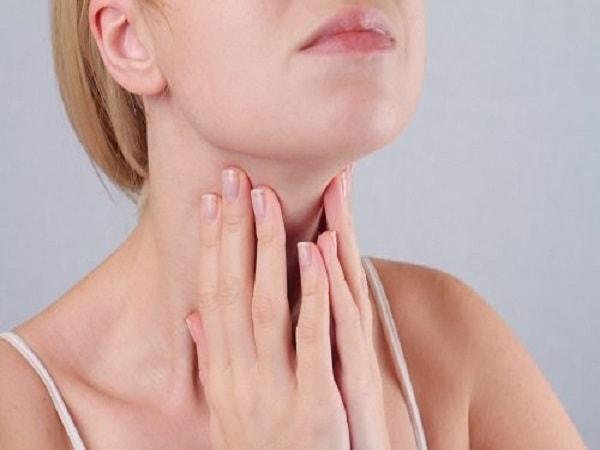 dấu hiệu của bệnh suy tuyến giáp