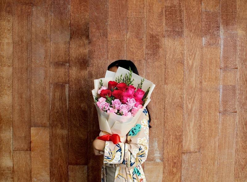 Nên tặng hoa gì cho người yêu ngày Valentine 14.2?
