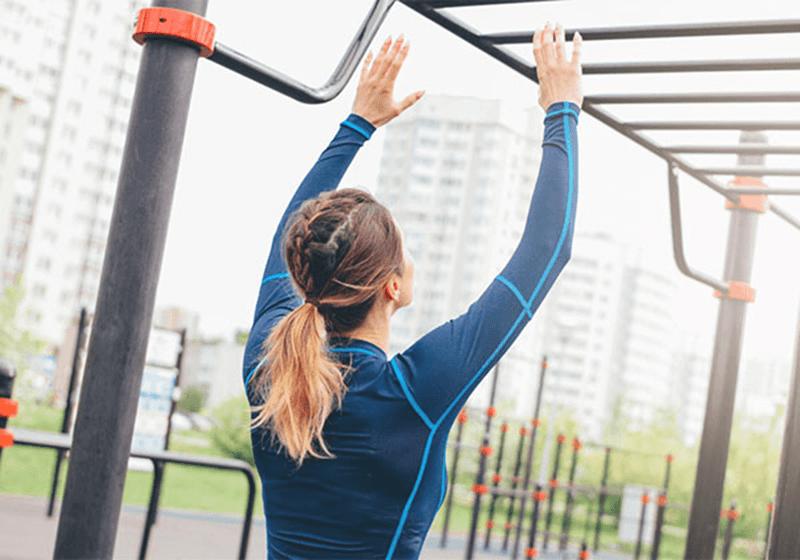 Vươn vai vào sáng sớm giúp xương khớp giãn nở, chắc khỏe hơn